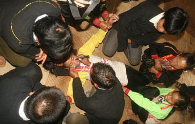 Tục xăm cằm: Nét văn hóa đặc sắc của người Mảng (Lai Châu)